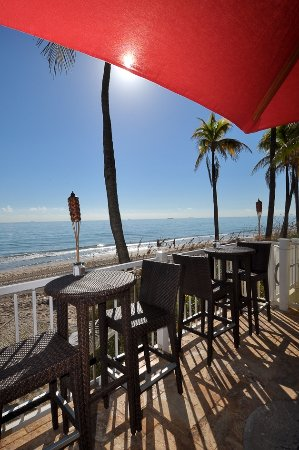 Sun Tower Hotel & Suites on the beach: Sandbar Grille