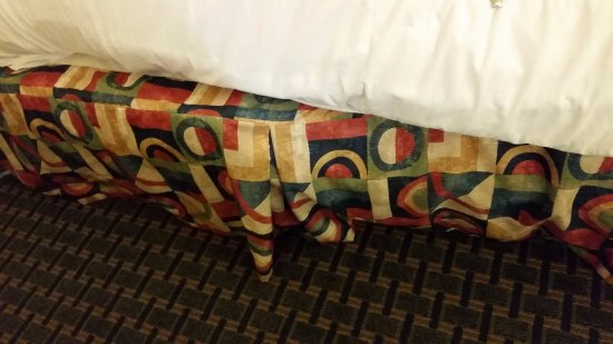 Cleburne, TX: Bedding did not fit