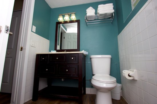 Sun Tower Hotel & Suites on the beach: Newly Remodeled Bathrooms