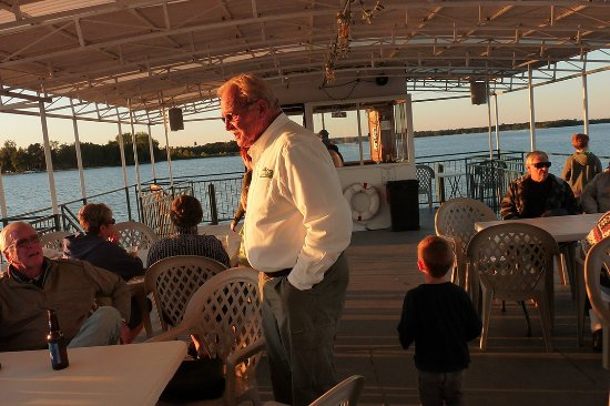 Breezy Belle Cruises: Enjoying the ride and people on the Breezy Belle