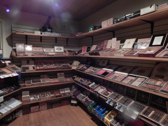 Neptune Beach, FL: Well stocked humidor