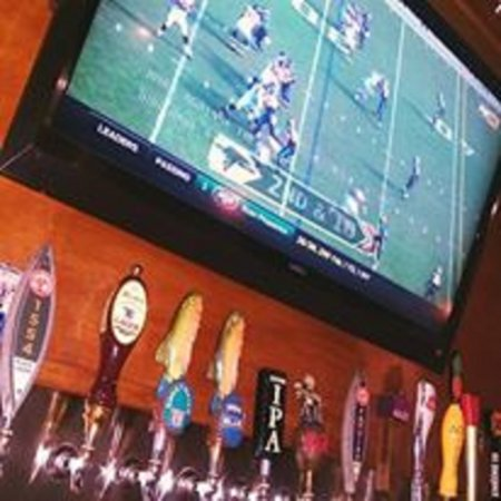 Neptune Beach, FL: Beer and football!