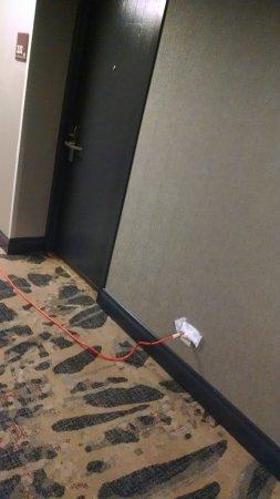 Irving, تكساس: second floor hallway and room door trip hazard