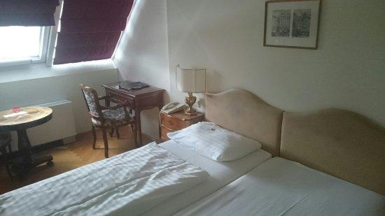 โรงแรมรอยัล: DSC_0233_large.jpg