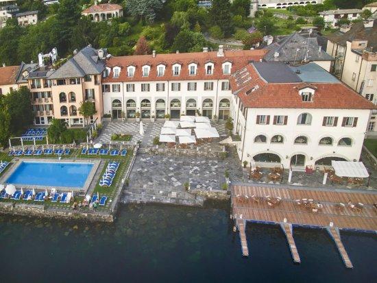 هوتل سان روكو: a photo displayed at the hotel of the entire grounds.
