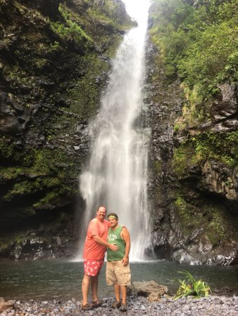 No Ka Oi Private Adventures : One of the many hidden waterfalls we visited