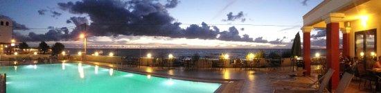 Messina Resort Hotel: Widoki z hotelowej restauracji