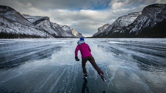 Banff National Park, Canada: Ice skating on Lake Minnewanka