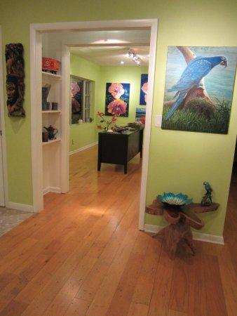 Bokeelia, FL: Island Conclave Fine Art Gallery Interior Shot