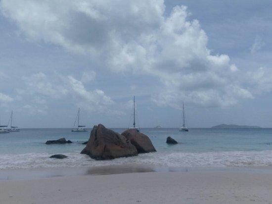 普拉斯林島照片