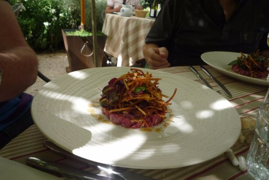 Grignan, Francia: tartare de boeuf