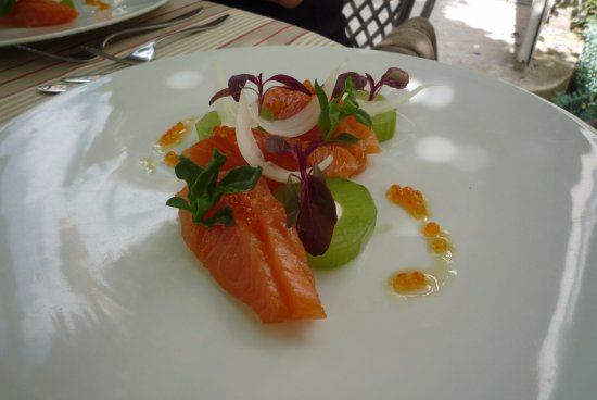 Grignan, Francia: saumon mariné, concombre