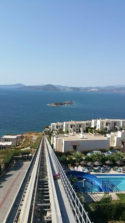 Bogazici, Turkije: Royal heights beach/pool/views