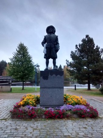 Kajaani, فنلندا: Pietari Brahen patsas