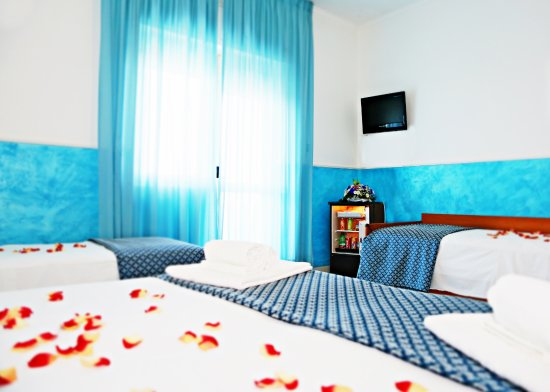 New Hotel Blu Eden: Particolare Frigo Bar