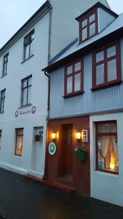 Baldursbra Guesthouse: 20160920_065129_large.jpg