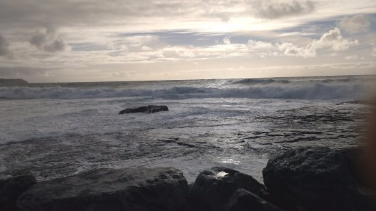 Suantrai House Bed & Breakfast: View from next to Doolin Pier. A pleasant walk of around 20 mins away.
