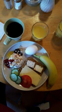 Baldursbra Guesthouse: Breakfast