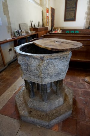 Smarden, UK: very old font