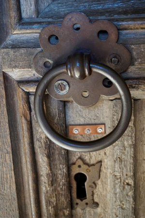 Smarden, UK: door knocker