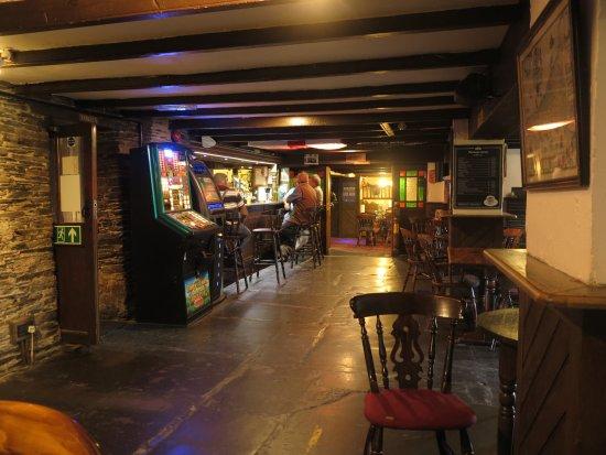 Bar - Picture of Farmers Arms St Merryn, St Merryn - TripAdvisor