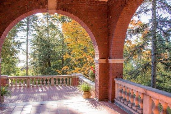 Glensheen, The Historic Congdon Estate: West Porch