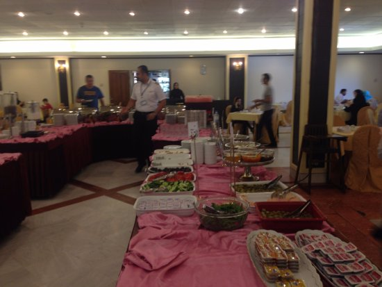 Pardisan HOtel: breakfast restaurant