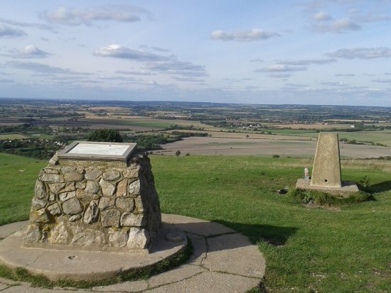 Aldbury, UK: North view from the Beacon.
