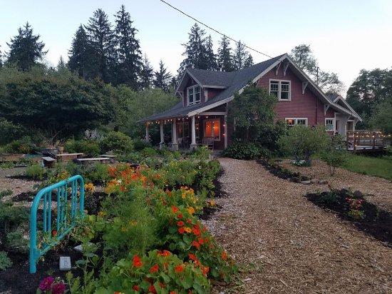 Nehalem, Oregon: daytime