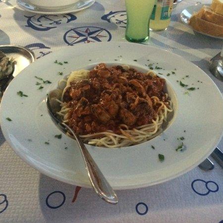 Kamenice: Pasta mit Muscheln