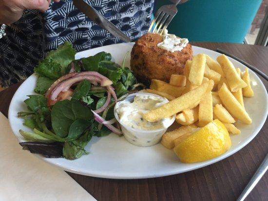 Highcliffe, UK: Fishburgermeal