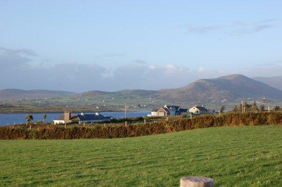 Cahersiveen, Irlandia: Walk to Car Ferry & The Point
