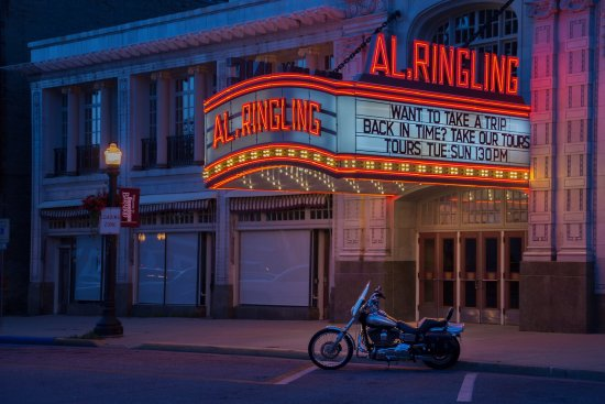Al Ringling Theater Tours: Nighttime photo of the fascade