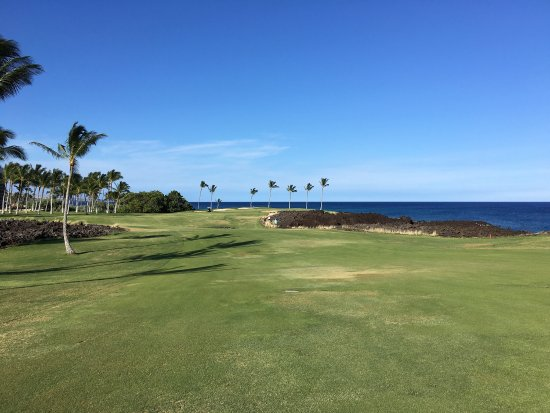 Waikoloa Beach Golf Course: Stunning location to play golf