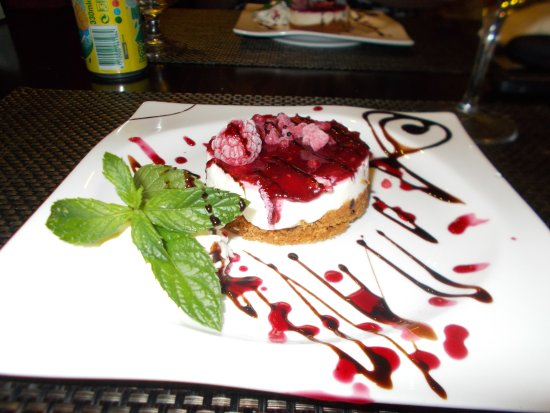 Moncarapacho, Portugal: yummy cheesecake