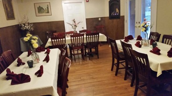 Pittsfield, MA: Our Private Function Room is available for lunch or dinner.