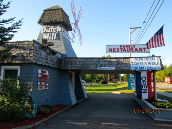 Dutch Mill Family Restaurant: Front