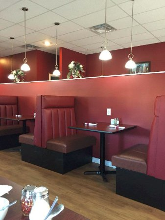 Tisdale, Canada: Inside the new Mr RIbs it is very nice!