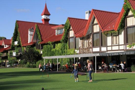 Harbor Springs, MI: Lawn near Restaurant