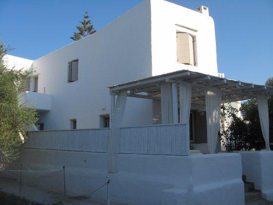 Delmar Apartments & Suites: La maison dans laquelle était notre chambre (première porte)