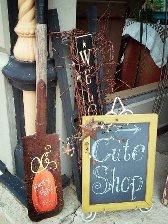 "Don't miss this ""cute shop"" when you're in Prairie du Chien"