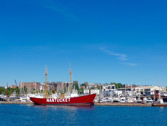 CityView Trolley Tours: Nantucket lightship on harbour