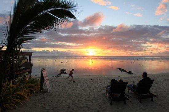 Castaway Resort: Taking in the view...