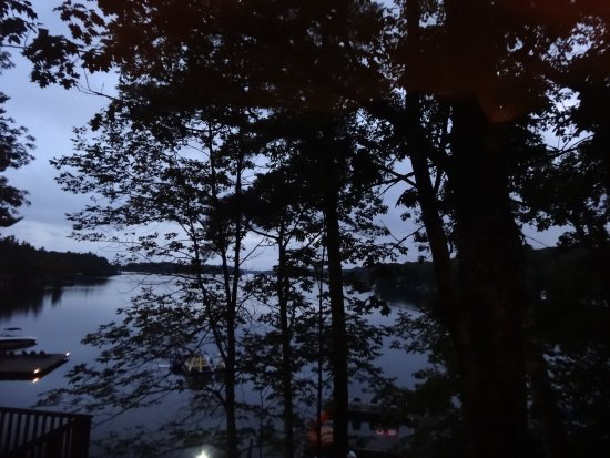 Muskoka District, Canada: Night view from Suite