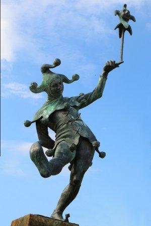 The Jester : Jester statue