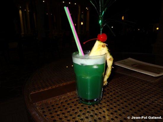 Hellenia Yachting Hotel: Bar.