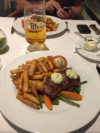 Bad Salzuflen, Alemania: Hotel was nice enough .  Great service friendly staff.  Restaurant did a good meal in the evenin