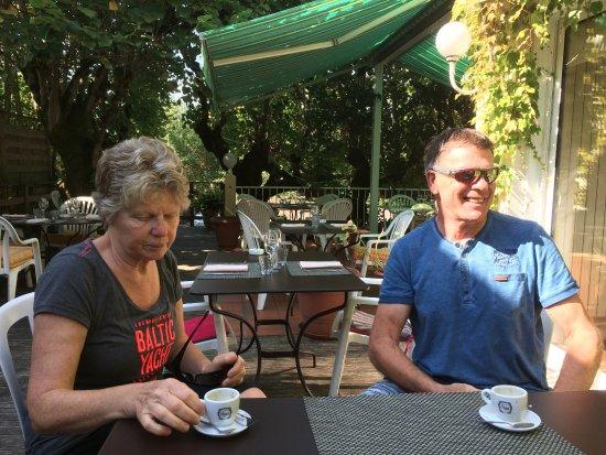 Bouliac, Γαλλία: Koffie op het terras