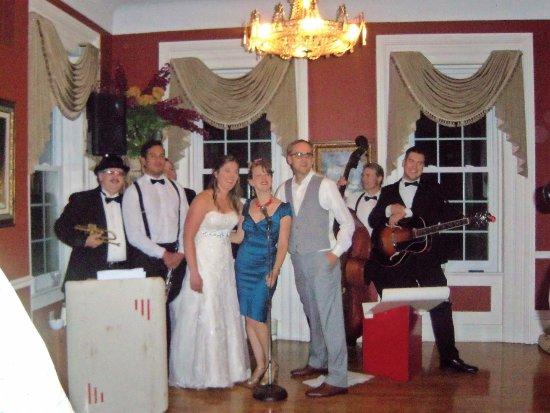 O'Fallon, IL: Miss Jubilee&The Humdingers were Incredible!