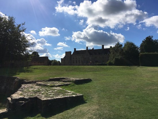 Battle, UK: Enjoyable day out. Easily accessible  good facilities and knowledgeable staff